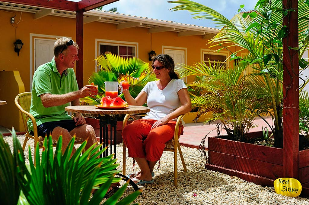 dive hut resort bonaire affordable accommodation apartment